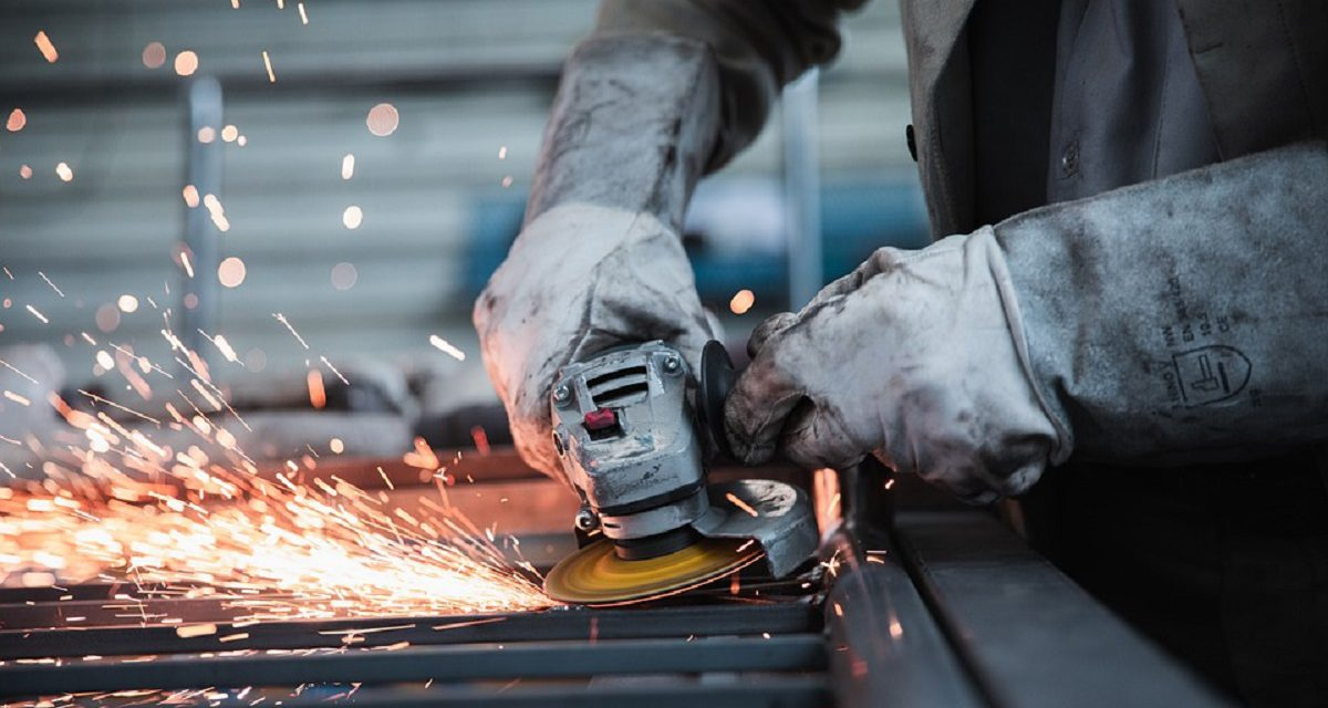 HOW MANUFACTURING IS CHANGING WITH THE INTRODUCTION OF AUTOMATION