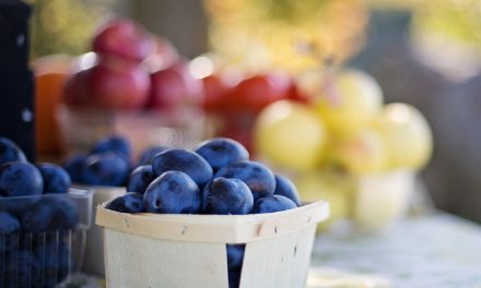 SIX WAYS TO SUPPORT LOCAL FOOD AND FARMERS
